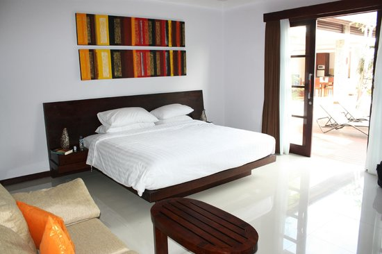 The Wolas Villas & Spa : Master bedroom.
