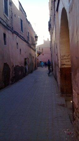 Alleyway leading towards Riad Farnatchi