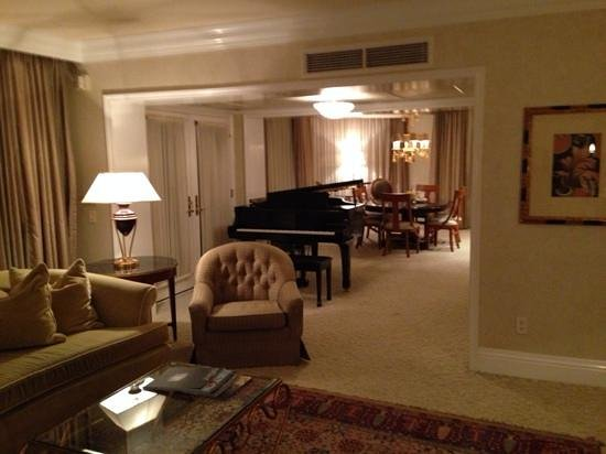 The Beverly Hills Hotel : Room 259 living quarters Rodeo suite