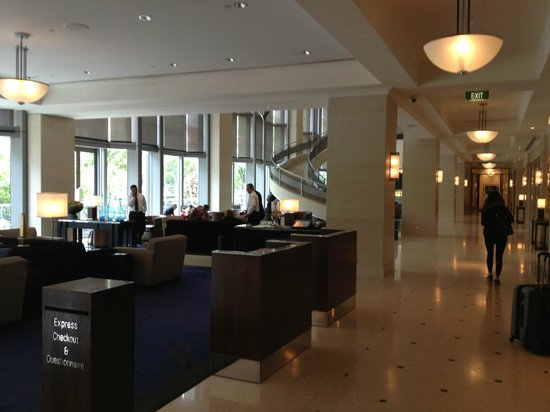 The Westin Melbourne: Hotel Lobby