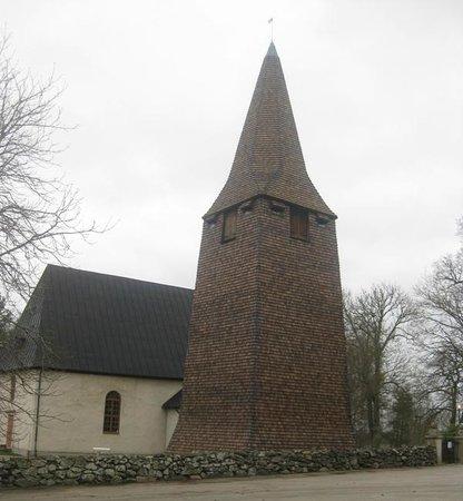Tibro, Suécia: Ransbergs kyrka med alldeles nyrenoverad klockstapel troligen från 1200-talet