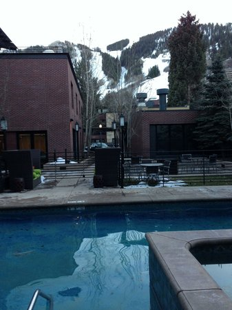 The Limelight Hotel : From the jacuzzi facing Aspen Mountain.