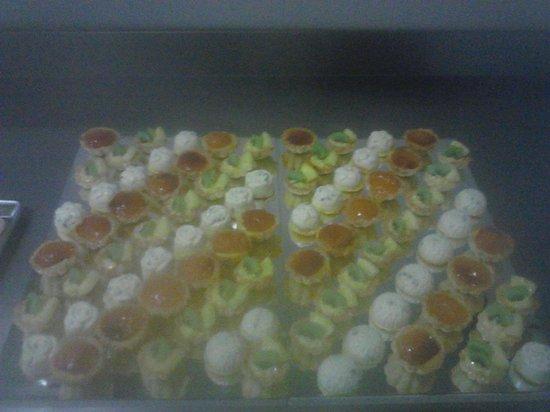 Hotel Italia: Mignon dessert. ...