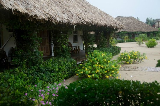 Jaguar Reef Lodge & Spa : Rooms from the outside