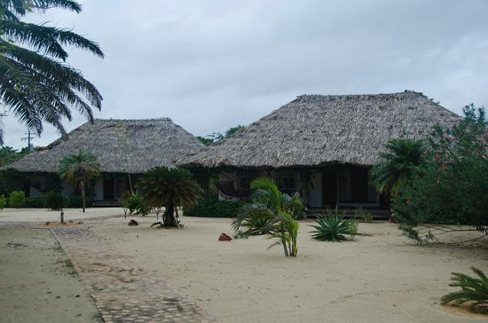 Jaguar Reef Lodge & Spa: Rooms from the outside