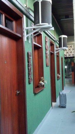 Big Hostel Brasil: Entrada dos quartos