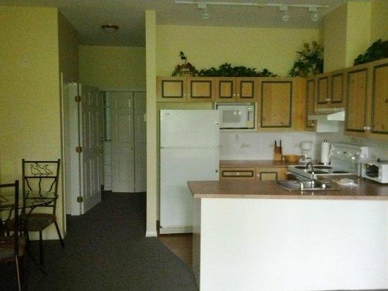 Borgata Lodge Hotel: Room 1 kitchen!