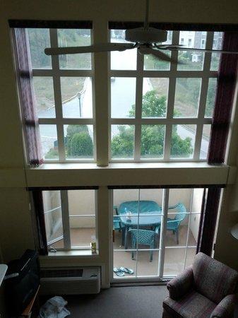 Borgata Lodge Hotel: Room 2 view from loft at balcony