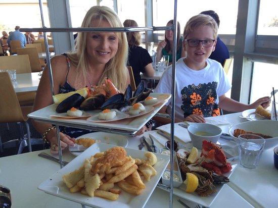 Noosa Boathouse & Sunset Bar: Seafood extravaganza !!