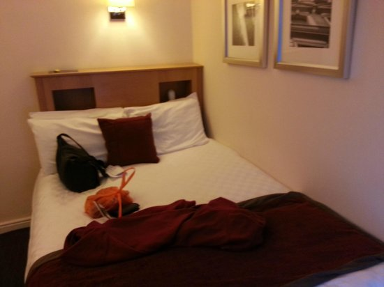 Ibis Styles Manchester Portland Street: The bed