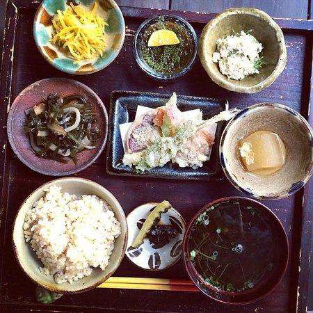 Shimayasai Shokudo Thianda: てんぷら定食。