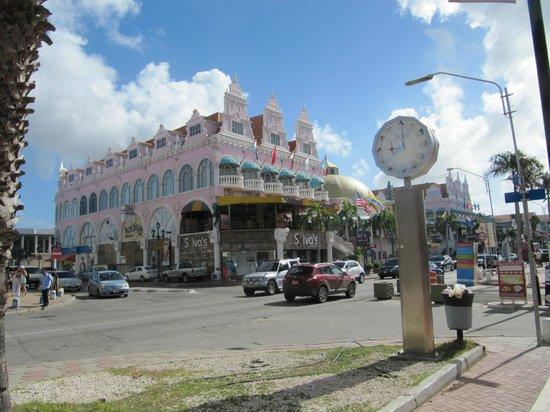 Seaport Village: Main St Shops