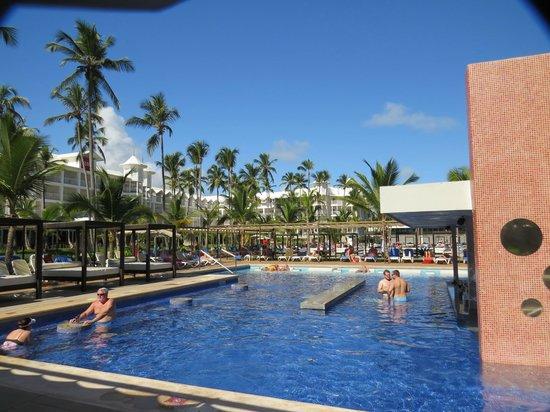 Hotel Riu Palace Macao: Pool area
