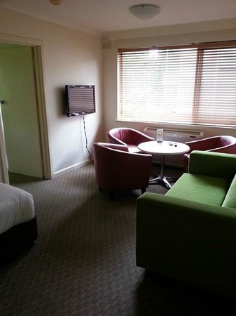 City Edge Apartment Hotel East Melbourne - Albert: Lounge