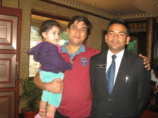 Blueberry Inn: Manager Pradeep