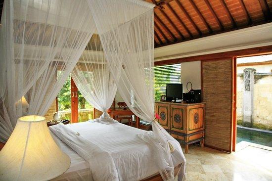 Sekar Nusa Villas: Sekar Bedroom..