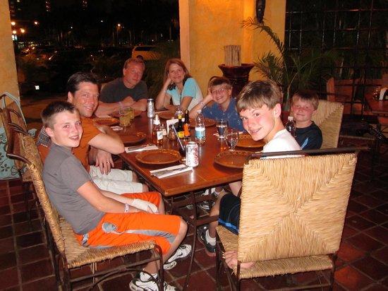 Emilio's Pizza: 'Za Night with the Family