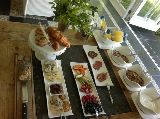 Grande Provence Estate The Owner's Cottage: Breakfast for 2