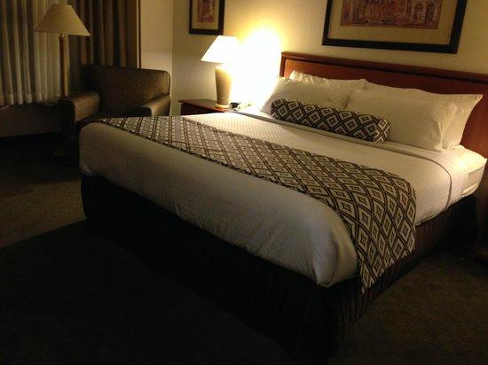 Crowne Plaza Auburn Hills : King room