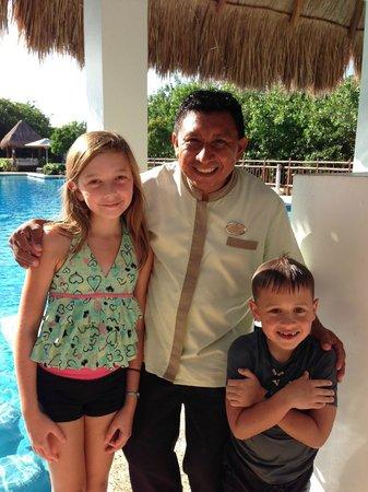 "Paradisus Playa Del Carmen La Esmeralda: Jermias aka ""Bullfrog"" our sons idol - he wants to be a bartender now!"