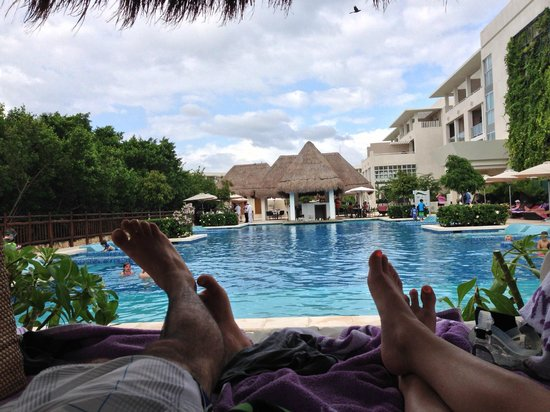 Paradisus Playa Del Carmen La Esmeralda: Thanks for finally snagging us a bali bed Jonas!  You're the best!
