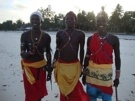 Papillon Lagoon Reef : nos amis Samburu sur la plage