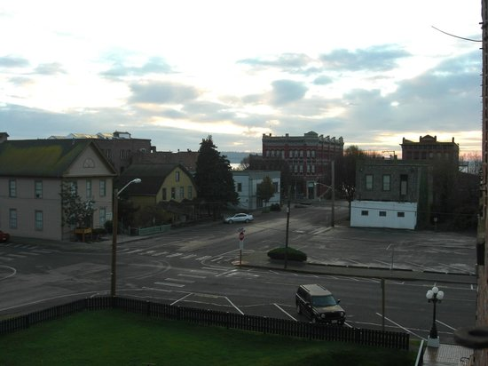 Bishop Victorian Hotel: View from Bedroom