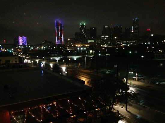 NYLO Dallas South Side: night view from room 412