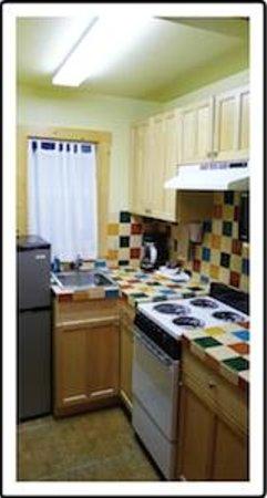 Norwood Inn: Full Kitchens