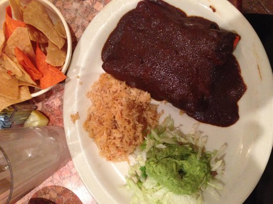 Los Barrios Mexican Restaurant : Go For the Mole!