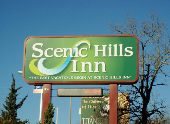 Scenic Hills Inn: sign