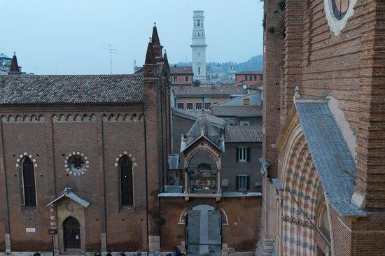 Due Torri Hotel: 窓からの眺め