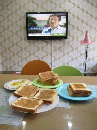 K Hostel: 早餐