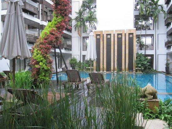 RarinJinda Wellness Spa Resort: Pool area