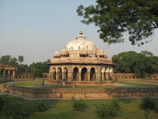 Isa Khan's Tomb: Isa Khan Tomb