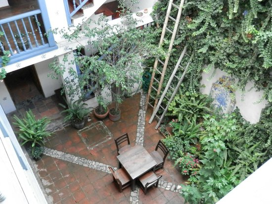 Hostal Dona Esther: View of interior courtyard