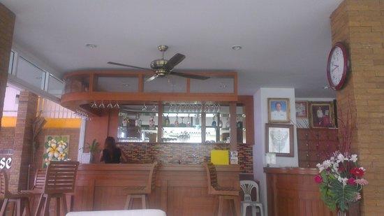 Hotel Sutin: Angolo bar della hall