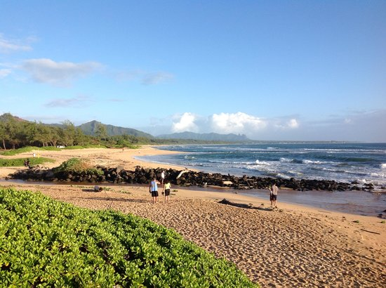 Kauai Beach Villas : Beach in front of resort