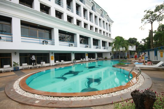 The Camelot Hotel Pattaya: Camelot swimming pool