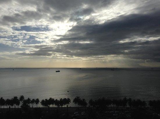 New World Manila Bay Hotel: вид