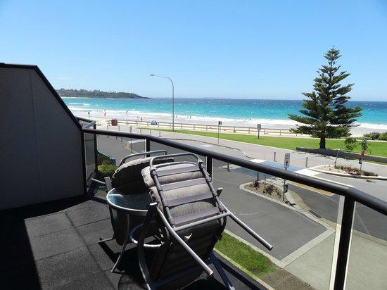 Beachhouse Mollymook: Balcony