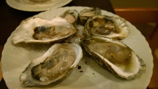 Duo Steak & Seafood: Fresh Oyster from Raw Bar Buffet