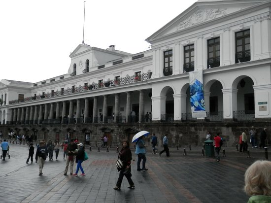 Quito Historical Old Town Tour: Carondelet Palace