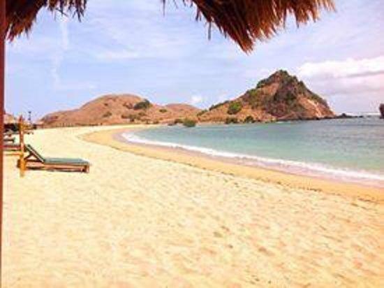 Novotel Lombok: the exotic beach view