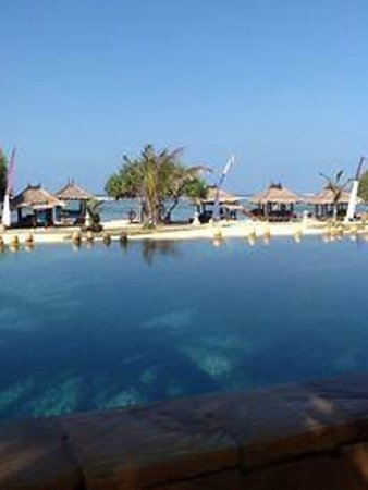 Novotel Lombok: view from swiming pool