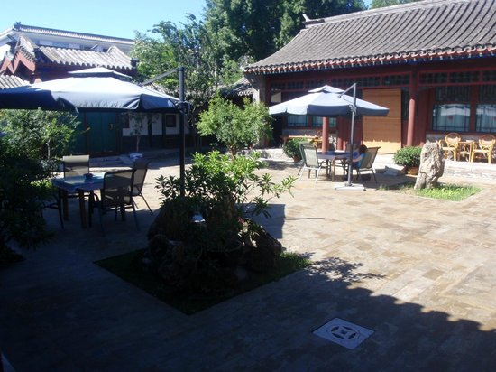 Courtyard 7: Courtyard outside rooms