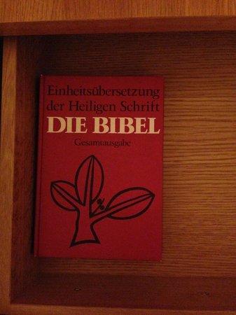 Schloss & Gut Liebenberg: Bibel im Nachttisch.