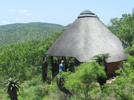 Leopard Mountain Game Lodge: Our lodge