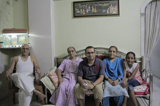 Explore Globe Mumbai Homestay: Sachin and Family. Great guys!