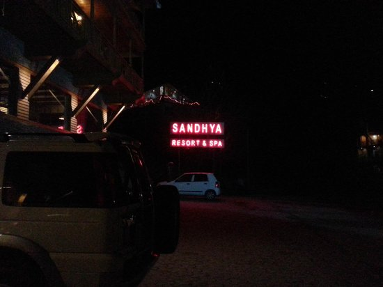 Sandhya Resort & Spa Manali: Night view